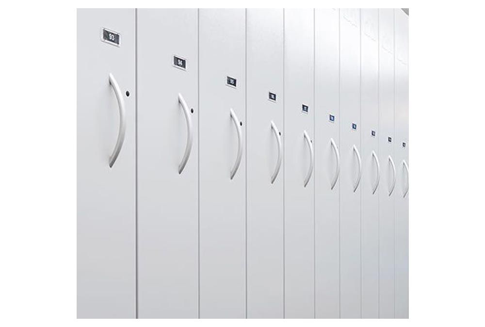 Automatic lockers of a ski depot interfaced with RENT-ALL